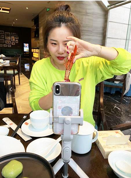 直播堂食、线上教学……扬州餐饮业正花式复苏