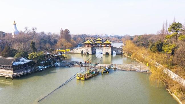 """瘦西湖清淤进展 3.5公里管道让泥水""""接力跑"""""""